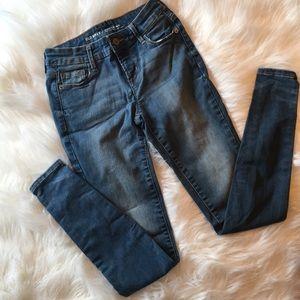 Old Navy Rockstar mid-rise skinny pants/ jeans